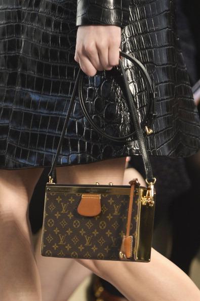 Louis Vuitton Purse「Louis Vuitton : Runways - Paris Fashion Week Womenswear Fall/Winter 2014-2015」:写真・画像(11)[壁紙.com]