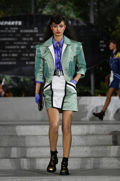 Jacket「Louis Vuitton Cruise 2020 Fashion Show」:写真・画像(0)[壁紙.com]