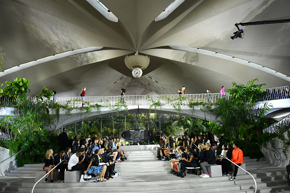 Event「Louis Vuitton Cruise 2020 Fashion Show」:写真・画像(7)[壁紙.com]