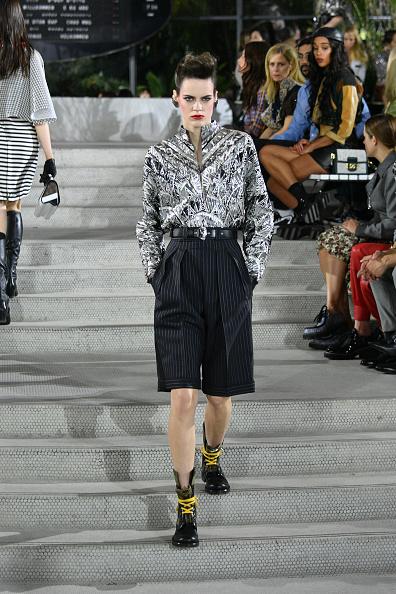 Open Collar「Louis Vuitton Cruise 2020 Fashion Show」:写真・画像(13)[壁紙.com]