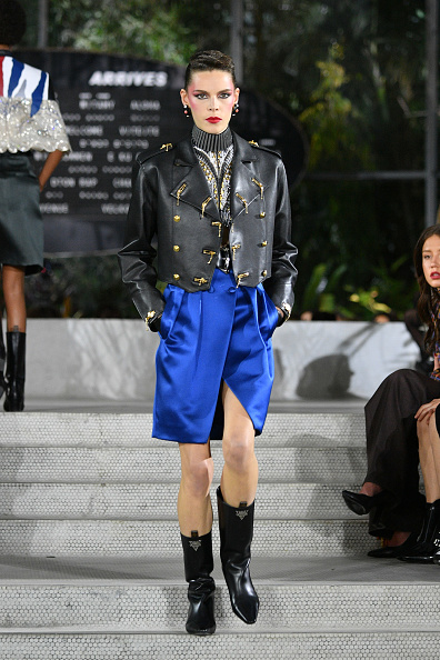 Leather Jacket「Louis Vuitton Cruise 2020 Fashion Show」:写真・画像(5)[壁紙.com]
