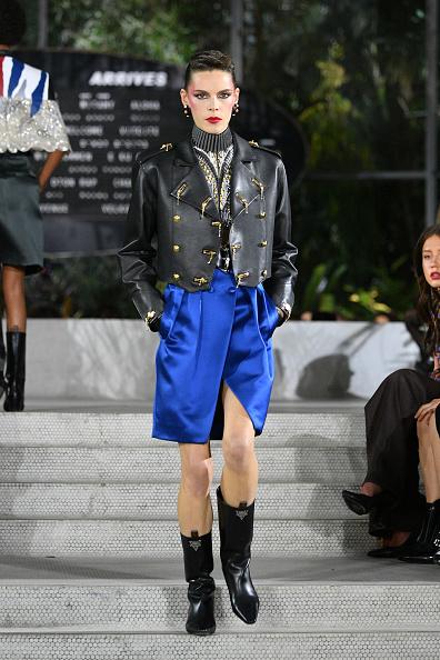 Leather Jacket「Louis Vuitton Cruise 2020 Fashion Show」:写真・画像(8)[壁紙.com]