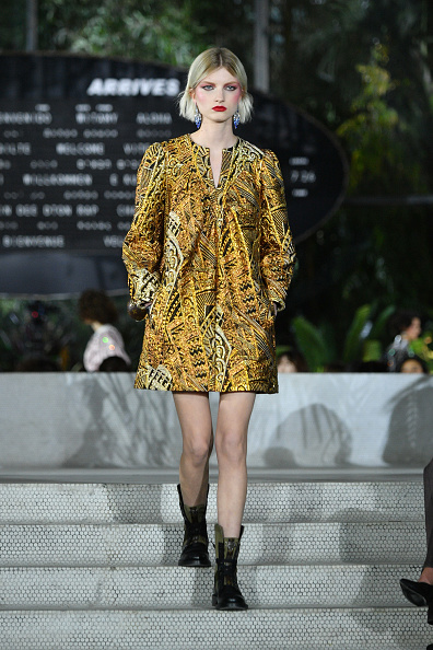 Mini Dress「Louis Vuitton Cruise 2020 Fashion Show」:写真・画像(19)[壁紙.com]
