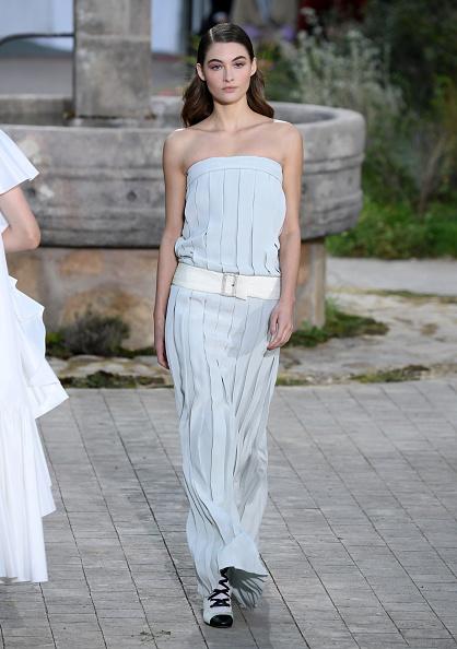 Paris Haute Couture Fashion Week「Chanel : Runway - Paris Fashion Week - Haute Couture Spring/Summer 2020」:写真・画像(5)[壁紙.com]