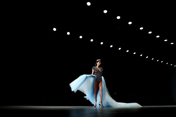 Carriageworks「Aqua Blu - Runway - Mercedes-Benz Fashion Week Australia 2019」:写真・画像(17)[壁紙.com]