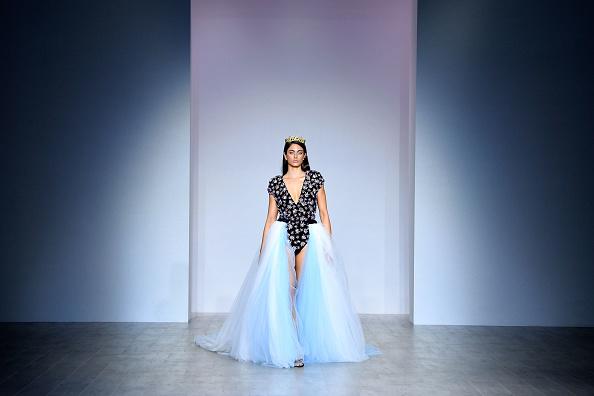 Carriageworks「Aqua Blu - Runway - Mercedes-Benz Fashion Week Australia 2019」:写真・画像(11)[壁紙.com]