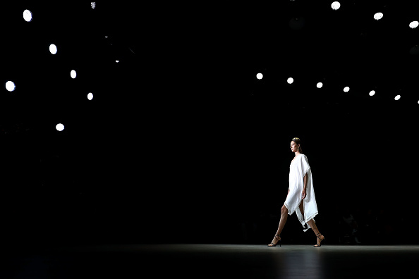 Carriageworks「Aqua Blu - Runway - Mercedes-Benz Fashion Week Australia 2019」:写真・画像(13)[壁紙.com]