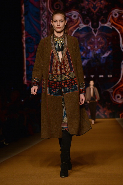 Long Hair「Etro - Runway - Milan Fashion Week Womenswear Autumn/Winter 2014」:写真・画像(9)[壁紙.com]
