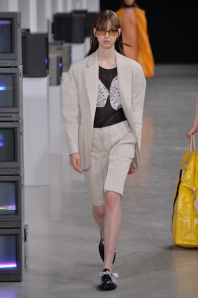 Cream Colored Shorts「Aalto : Runway - Paris Fashion Week Womenswear Spring/Summer 2018」:写真・画像(9)[壁紙.com]