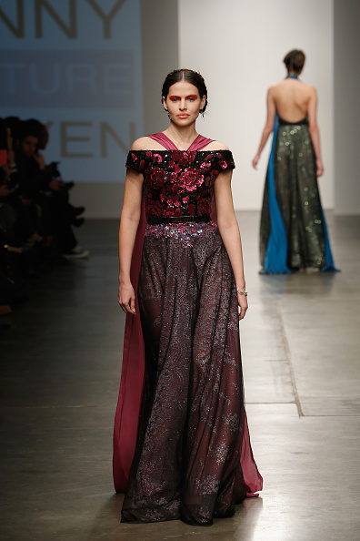 Chelsea Piers「Nolcha New York Fashion Week Fall Winter 2015/2016 - Danny Nguyen Couture」:写真・画像(1)[壁紙.com]