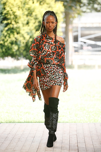 Mini Dress「Redemption : Runway - Paris Fashion Week - Haute Couture Fall/Winter 2019/2020」:写真・画像(3)[壁紙.com]