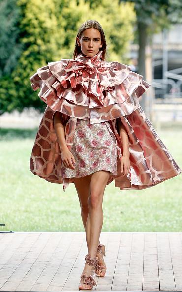 Womenswear「Redemption : Runway - Paris Fashion Week - Haute Couture Fall/Winter 2019/2020」:写真・画像(18)[壁紙.com]