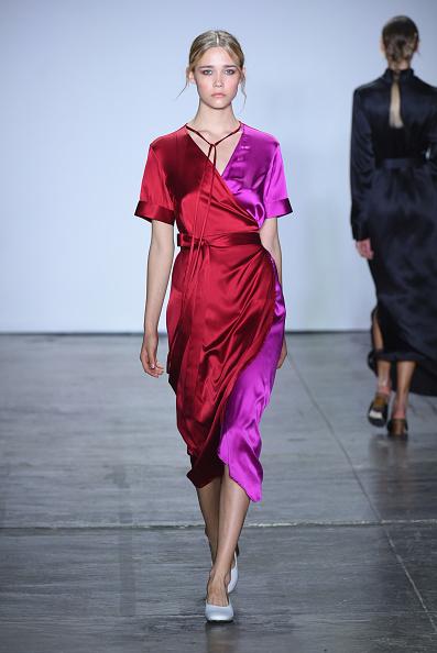 ドレス「Nonie - Runway - September 2018 - New York Fashion Week: The Shows」:写真・画像(1)[壁紙.com]