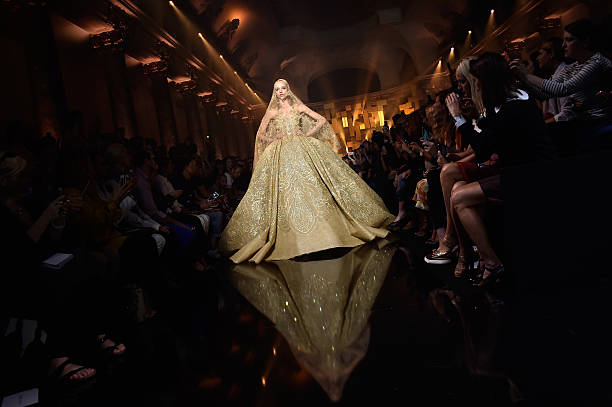 Elie Saab : Runway - Paris Fashion Week - Haute Couture Fall/Winter 2015/2016:ニュース(壁紙.com)