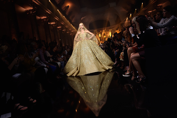 Elie Saab - Designer Label「Elie Saab : Runway - Paris Fashion Week - Haute Couture Fall/Winter 2015/2016」:写真・画像(15)[壁紙.com]