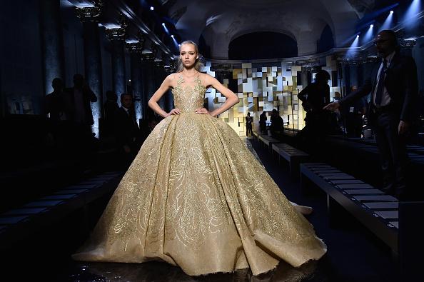 Elie Saab - Designer Label「Elie Saab : Runway - Paris Fashion Week - Haute Couture Fall/Winter 2015/2016」:写真・画像(9)[壁紙.com]
