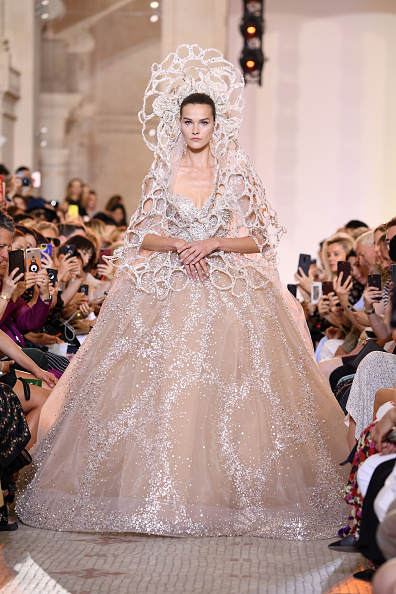 Elie Saab - Designer Label「Elie Saab : Runway - Paris Fashion Week - Haute Couture Fall Winter 2018/2019」:写真・画像(8)[壁紙.com]