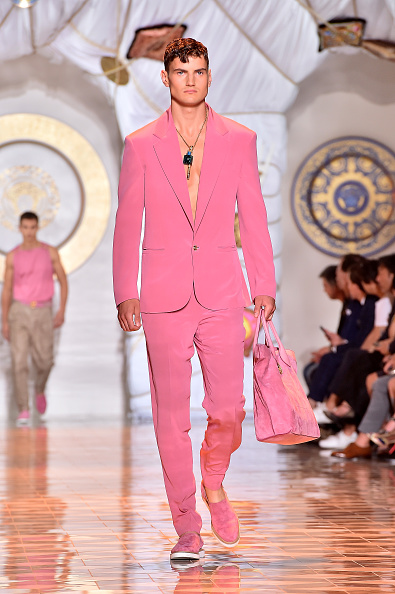 Pink Shoe「Versace - Runway - Milan Fashion Week Menswear Spring/Summer 2015」:写真・画像(5)[壁紙.com]