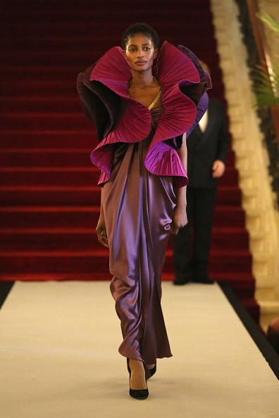 紫「Pierre Cardin: 70 Years of Innovation - Runway」:写真・画像(18)[壁紙.com]