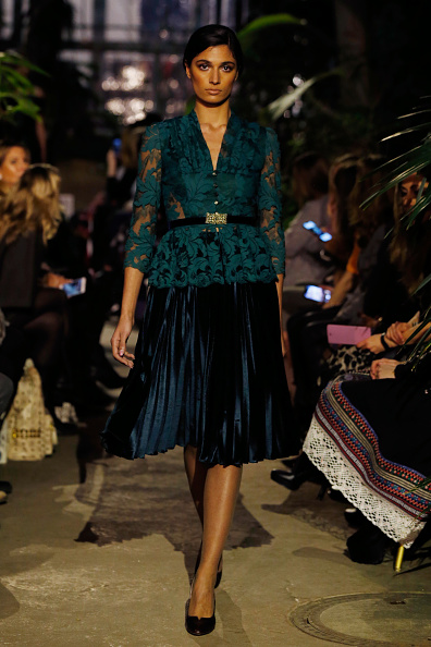 Three Quarter Length Sleeve「Runway - Lena Hoschek Fashion Show Berlin」:写真・画像(5)[壁紙.com]