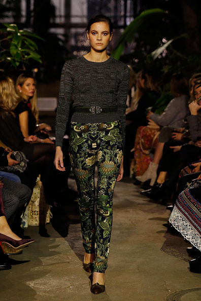 Foliate Pattern「Runway - Lena Hoschek Fashion Show Berlin」:写真・画像(15)[壁紙.com]