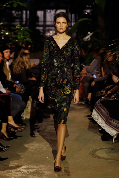 Foliate Pattern「Runway - Lena Hoschek Fashion Show Berlin」:写真・画像(16)[壁紙.com]