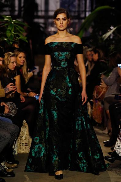 Emerald Green「Runway - Lena Hoschek Fashion Show Berlin」:写真・画像(4)[壁紙.com]