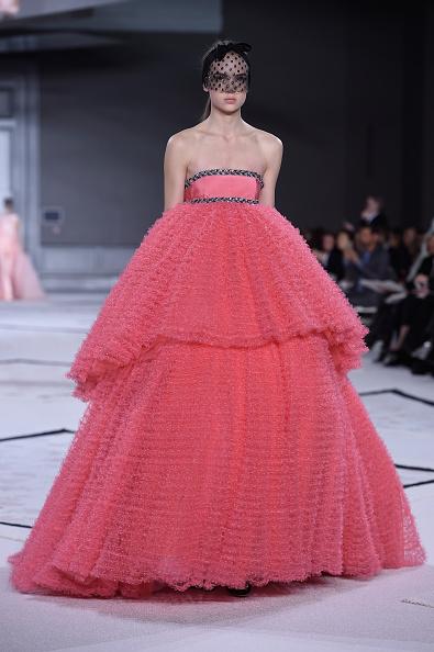 Evening Gown「Giambattista Valli : Runway - Paris Fashion Week - Haute Couture S/S 2015」:写真・画像(9)[壁紙.com]