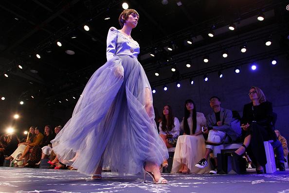 Catwalk - Stage「Leo & Lin - Runway - Mercedes-Benz Fashion Week Australia 2018」:写真・画像(6)[壁紙.com]