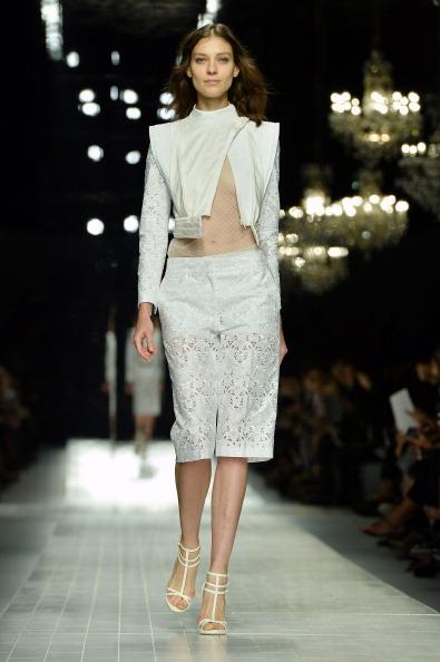White Jacket「Blumarine - Runway - Milan Fashion Week Womenswear Spring/Summer 2014」:写真・画像(5)[壁紙.com]
