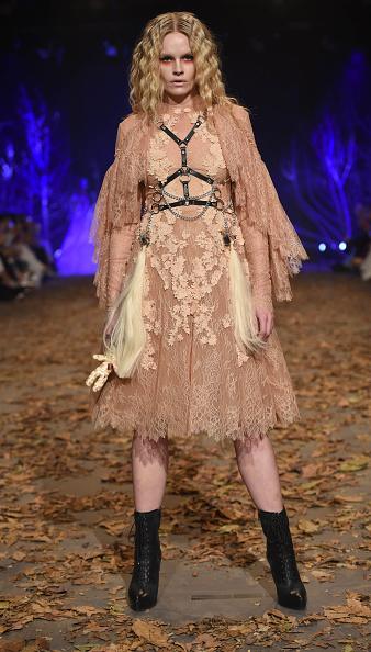 Amato Haute Couture「Amato - Runway - Dubai FFWD Fall/Winter 2016」:写真・画像(3)[壁紙.com]