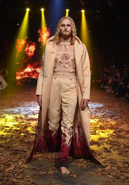 Amato Haute Couture「Amato - Runway - Dubai FFWD Fall/Winter 2016」:写真・画像(2)[壁紙.com]