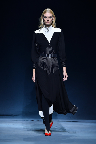 Pascal Le Segretain「Givenchy : Runway - Paris Fashion Week Womenswear Spring/Summer 2019」:写真・画像(13)[壁紙.com]