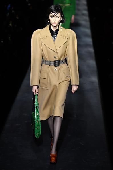 Givenchy「Givenchy : Runway - Paris Fashion Week Womenswear Fall/Winter 2019/2020」:写真・画像(9)[壁紙.com]