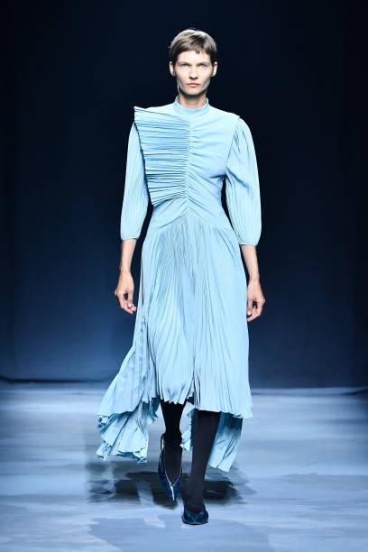 Givenchy : Runway - Paris Fashion Week Womenswear Spring/Summer 2019:ニュース(壁紙.com)