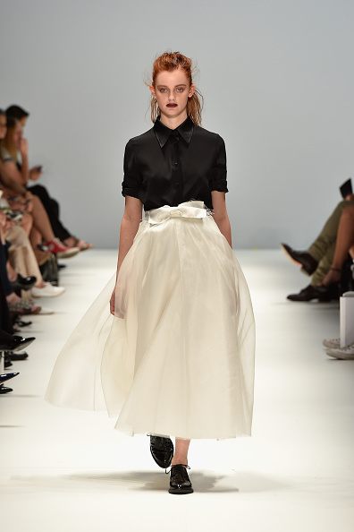 Material「Jayson Brunsdon - Runway - Mercedes-Benz Fashion Week Australia 2015」:写真・画像(14)[壁紙.com]