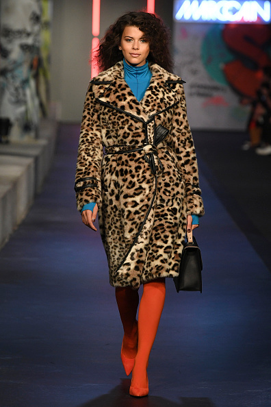 Coat - Garment「Runway - Marc Cain Fashion Show Berlin AW 18」:写真・画像(5)[壁紙.com]