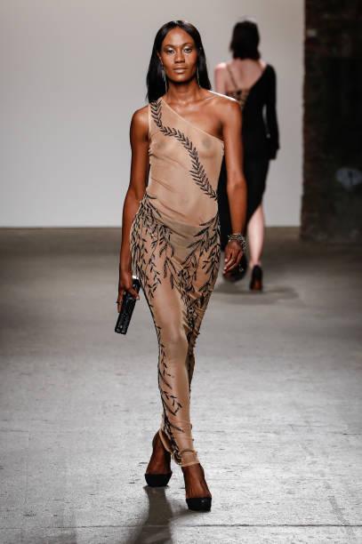 Nolcha Fashion Week New York Spring Collections 2015 During NY Fashion Week - Mariana Valentina:ニュース(壁紙.com)