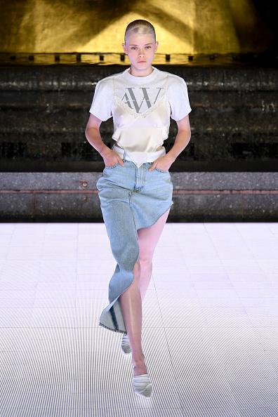 T-Shirt「Alexander Wang Collection 1 - Runway」:写真・画像(10)[壁紙.com]