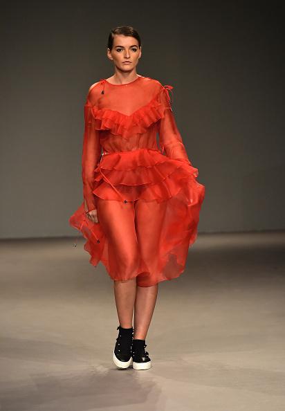 Fashion Forward Dubai「Anna K. International Guest - Runway - FFWD October 2017」:写真・画像(17)[壁紙.com]
