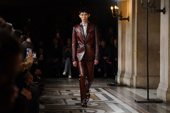 Menswear「Berluti : Runway - Paris Fashion Week - Menswear F/W 2019-2020」:写真・画像(18)[壁紙.com]