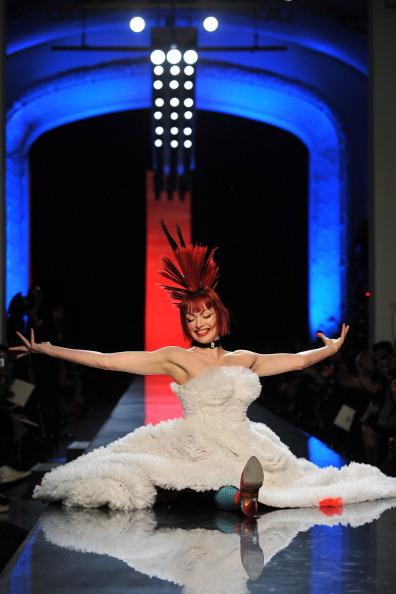 Atelier - Fashion「Jean-Paul Gaultier - Runway - Paris Fashion Week Haute Couture S/S 2011」:写真・画像(16)[壁紙.com]