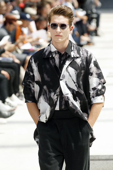 Open Collar「Issey Miyake Men : Runway - Paris Fashion Week - Menswear Spring/Summer 2017」:写真・画像(5)[壁紙.com]