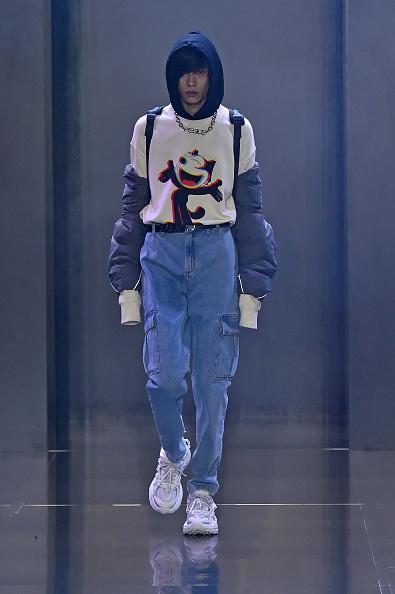 Shirt「Tmall Cool China : Runway - Paris Fashion Week - Womenswear Spring Summer 2020」:写真・画像(3)[壁紙.com]
