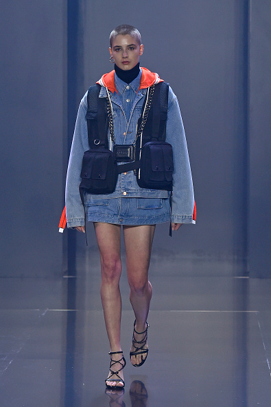 Shirt「Tmall Cool China : Runway - Paris Fashion Week - Womenswear Spring Summer 2020」:写真・画像(1)[壁紙.com]