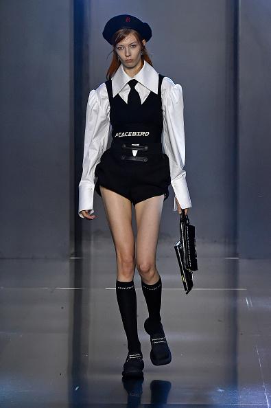 Shirt「Tmall Cool China : Runway - Paris Fashion Week - Womenswear Spring Summer 2020」:写真・画像(4)[壁紙.com]