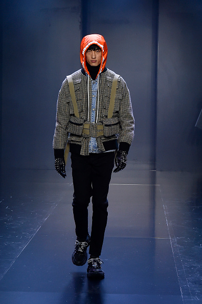 Shirt「Tmall Cool China : Runway - Paris Fashion Week - Womenswear Spring Summer 2020」:写真・画像(2)[壁紙.com]