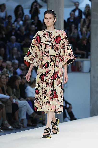 Marni - Runway - Milan Fashion Week Womenswear Spring/Summer 2015:ニュース(壁紙.com)