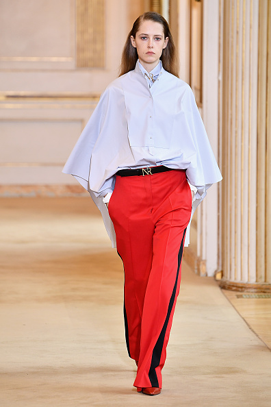 Shirt「Nina Ricci : Runway - Paris Fashion Week Womenswear Fall/Winter 2018/2019」:写真・画像(1)[壁紙.com]