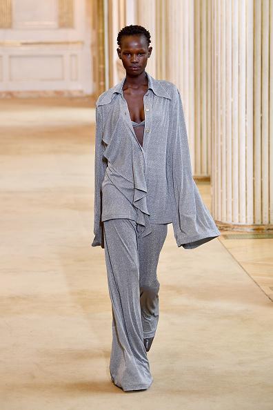 Fully Unbuttoned「Nina Ricci : Runway - Paris Fashion Week Womenswear Fall/Winter 2018/2019」:写真・画像(19)[壁紙.com]
